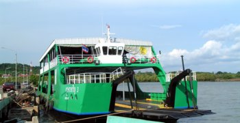 3 ferries service koh chang, from early morning until after sundown